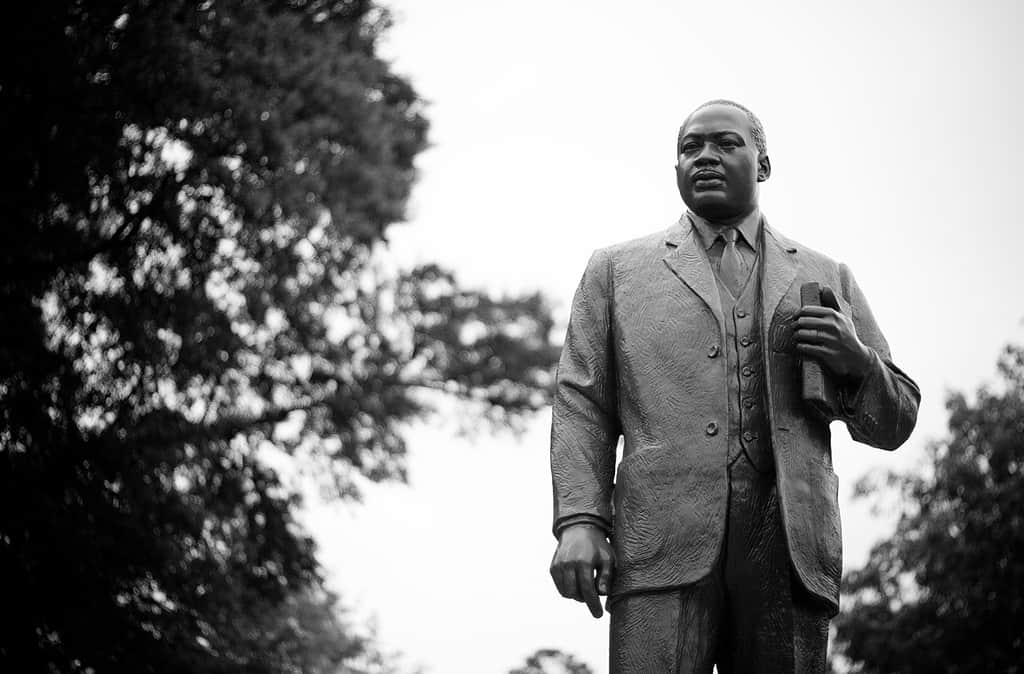 25 leadership quotes from martin luther king jr joseph lalonde mlk statue fandeluxe Images