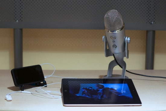 blue yeti microphones are great for virtual summits