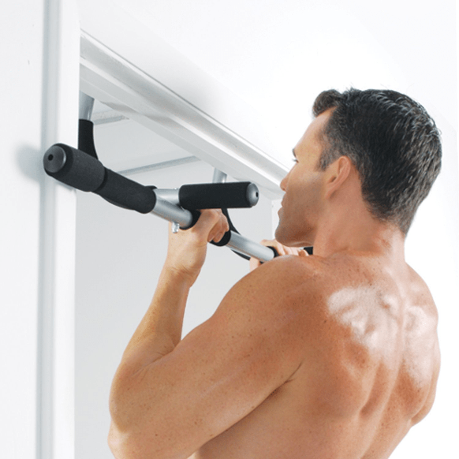 Pull up bar exercise